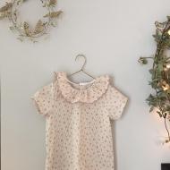 Des collerettes, des collerettes...! Commande spéciale, tissus et bordure choisis. Blouse col volante bordé d'une broderie. #bymesange #collerette #blouse #passioncol